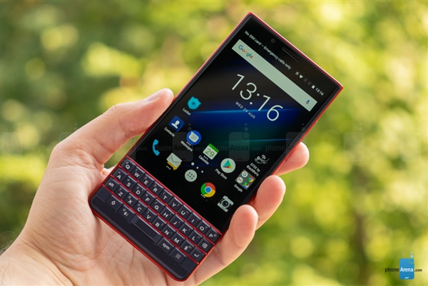 BlackBerry KEY2 LE: Android-смартфон с кнопочками и двойной камерой – фото 1