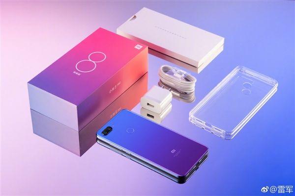 Анонс Xiaomi Mi 8 Lite: лайт-версия флагмана Xiaomi Mi 8 в градиентной расцветке – фото 12