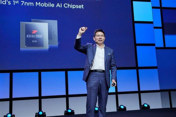 Huawei Mate 20 Pro вновь засветился на живых снимках – фото 1