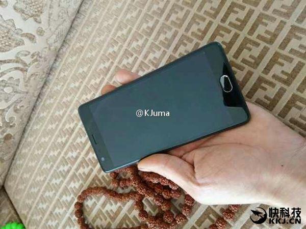 Фотографии OnePlus 3 опубликовал в сети известный блогер – фото 1