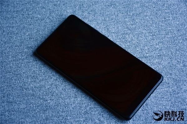 Безрамочный Xiaomi Mi Mix 2 дебютировал – фото 5