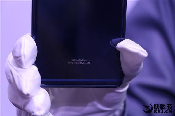 Синий Nubia Z17 и 8 Гб оперативной памяти в стандартной версии – фото 10