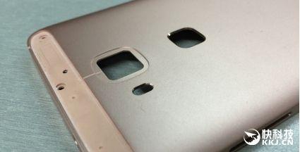 Huawei выпустит «золотой» фаблет среднего класса – фото 2