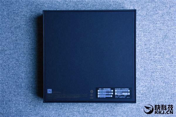 Безрамочный Xiaomi Mi Mix 2 дебютировал – фото 2