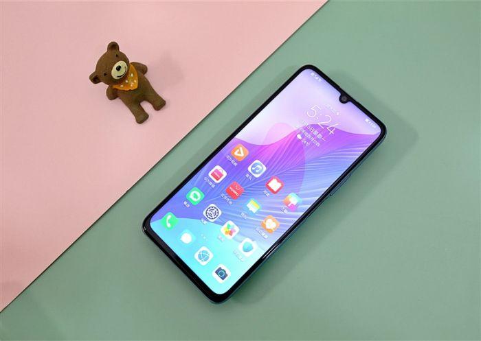 Представлен Huawei Enjoy 20 Pro: хуавеевский конвейер неутомим – фото 1