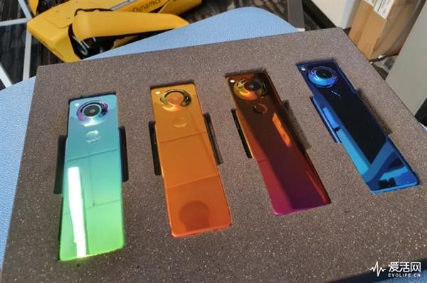 Энди Рубин вернется с неординарным Essential Phone