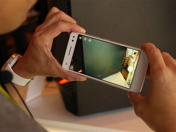 Lenovo Vibe S1 Lite: фотогалерея селфи-смартфона – фото 15
