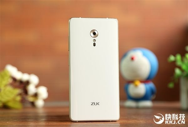 ZUK Z2 Pro: секрет «истинного» 3D-стекла задней панели флагмана суббренда Lenovo – фото 2