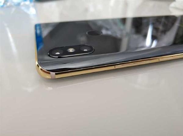 Прототип Xiaomi Mi 7 продается за бешеные деньги – фото 2