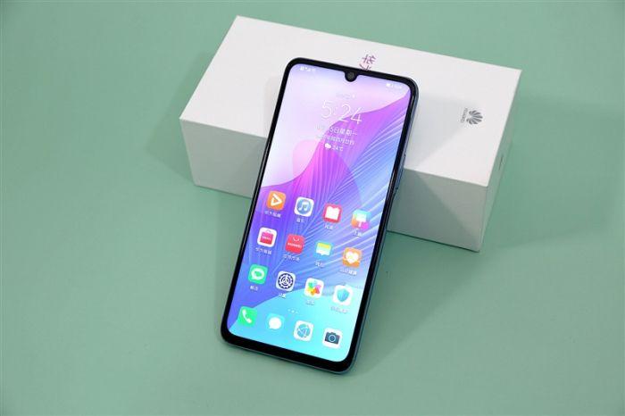 Представлен Huawei Enjoy 20 Pro: хуавеевский конвейер неутомим – фото 2