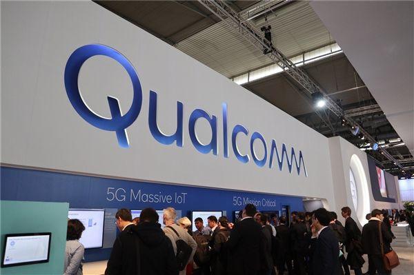 Тим Кук обвинил Qualcomm в развертывании медиавойны против Apple – фото 1