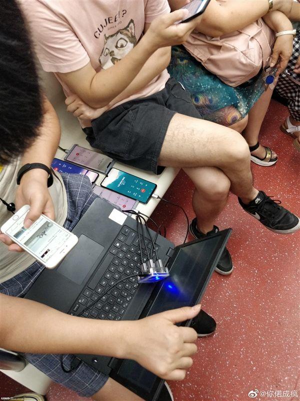 Huawei Mate 30 на фото