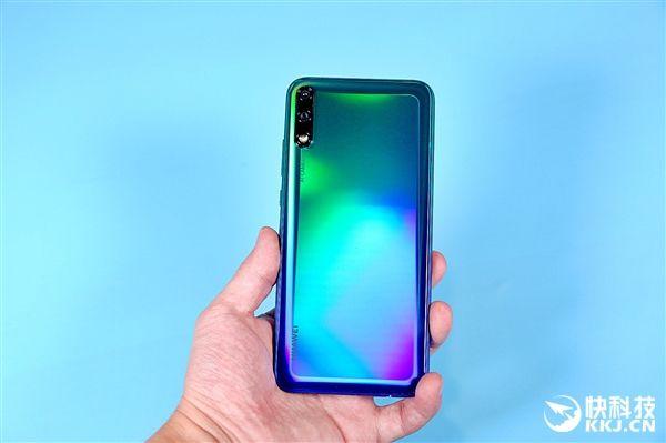 задняя панель Huawei Enjoy 10