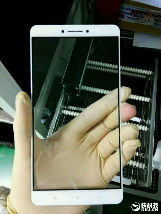 Xiaomi Max: фотографии лицевой панели 6,4-дюймового фаблета – фото 2