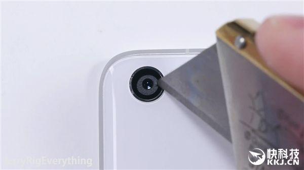 Xiaomi Mi5 не прошел тест на сгибание – фото 4