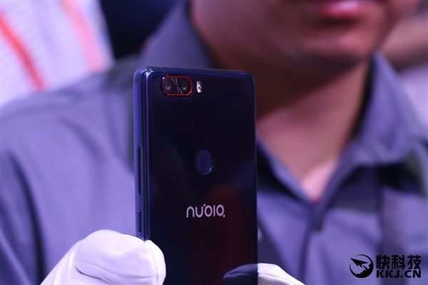 Синий Nubia Z17 и 8 Гб оперативной памяти в стандартной версии – фото 7