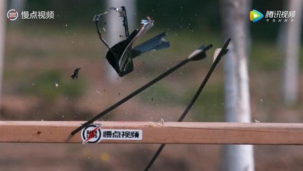 Xiaomi Mi6 прошел испытание стрелами – фото 4