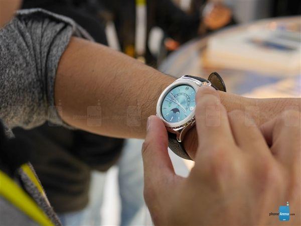 Смарт-часы Samsung Gear S2 теперь доступны и в цвете розовое золото – фото 4