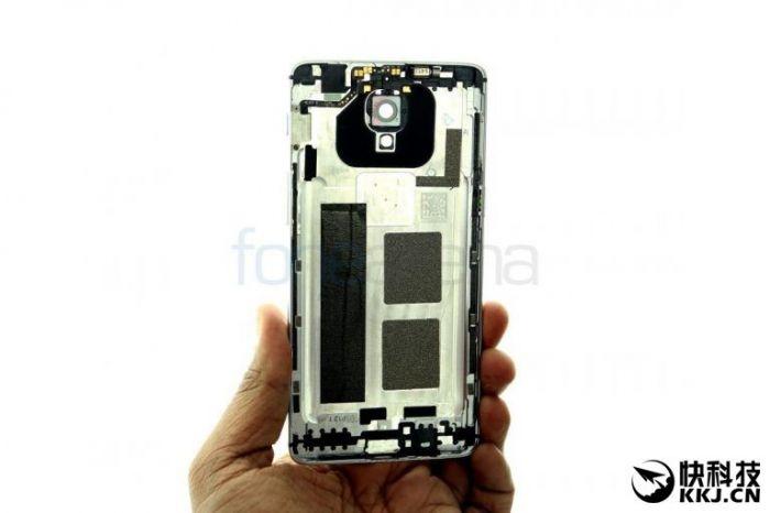 OnePlus 3 разобрали на части. Присутствие цельнометаллической тыльной крышки подтверждено – фото 2