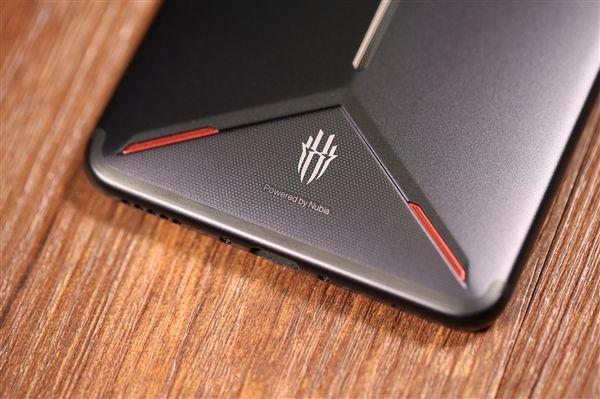 Флагман с Snapdragon 845 снова самый производительный Android-девайс по версии AnTuTu – фото 2