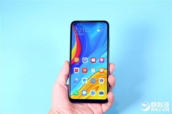 Дебют Huawei Enjoy 10: издание без ярких черт – фото 1