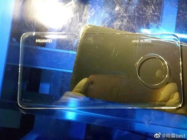 Чехол Huawei Mate 30 указывает на изменения в дизайне флагмана – фото 1