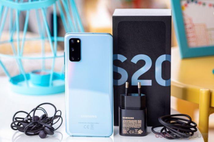 Samsung планирует убрать зарядник из комплекта Galaxy S21 – фото 1