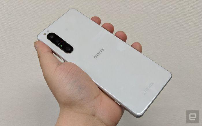 Анонс Sony Xperia 1 II: 4К-смартфон с оптикой Zeiss и с акцентом на скорость съемки
