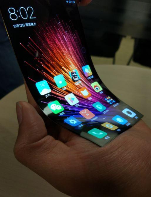 В сети опубликовали снимки концепта гибкого дисплея для смартфона Xiaomi – фото 1