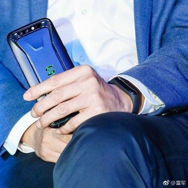 Озвучена цена на Xiaomi Mi Band 3 и ему приписывают eSIM – фото 2