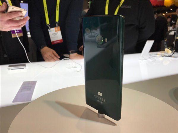 Xiaomi Mi Note 2 получил три новых цвета – фото 4