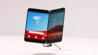 Долгострой от Microsoft Surface Duo показался на качественных рендерах