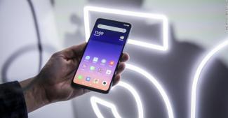 Чиновники Литвы призывают отказаться от китайских смартфонов