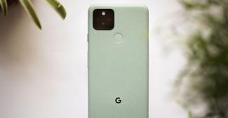 Google начал отправку обновления, которое решит проблемы с работой автояркости на смартфонах Google Pixel