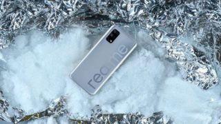 Realme анонсировал дату выхода Realme V5 и подтвердил наличие мощного процессора от MediaTek