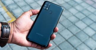 Еще два смартфона Samsung допущены к тестированию One UI 3.0