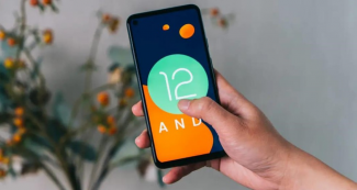 Список смартфонов, которые обновят до Android 12