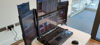 Ноутбук с 7 дисплеями: зачем и для кого