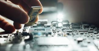Первый шаг сделан. У Huawei появился свой завод по производству чипов