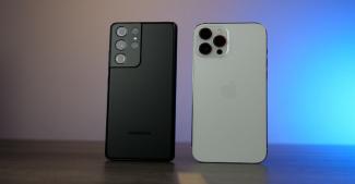 Samsung Galaxy S21 и iPhone 12: кто дешевеет быстрее