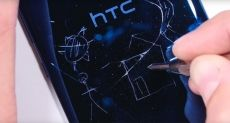 HTC U Ultra проверили на прочность