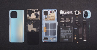 Xiaomi Mi 11 разобрали. На видео процесс выглядит довольно простым