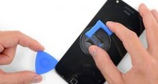 Отремонтируй смартфон сам. Призыв Motorola и iFixit