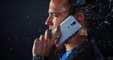 На Samsung подают в суд за обман пользователей в части водозащищенности смартфонов