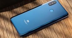 Xiaomi Pocophone F1 показали на видео