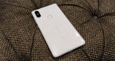 Пользователи Xiaomi Mi Mix 2S жалуются на мерцающий дисплей