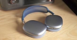 Apple готовит дешевый аналог AirPods Max