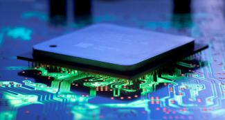 Частоты Dimensity 2000 и Snapdragon 898: это процессоры или печки?