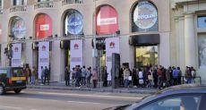 Новый магазин Huawei: дизайн от Apple и рядом с магазином Apple