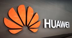 Спекулянты хотят поживиться на продаже Huawei Mate Xs